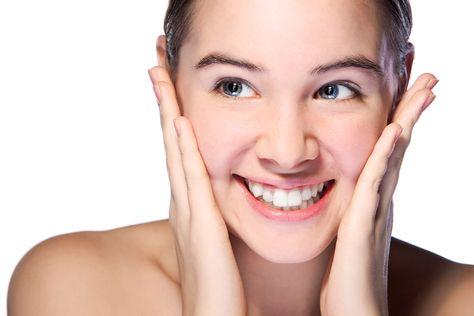Aknebehandlung- Die meisten Hautkrankheiten haben eine organische Ursache, da helfen nicht nur Cremes. Der ganze Körper muss zur Gesundung, gesehen und einbezogen werden.