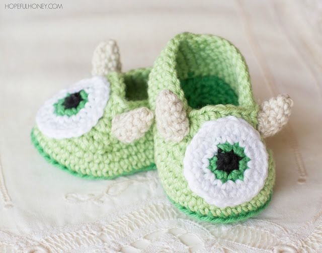 Friendly Monster Baby Booties - Crochet Pattern + Giveaway