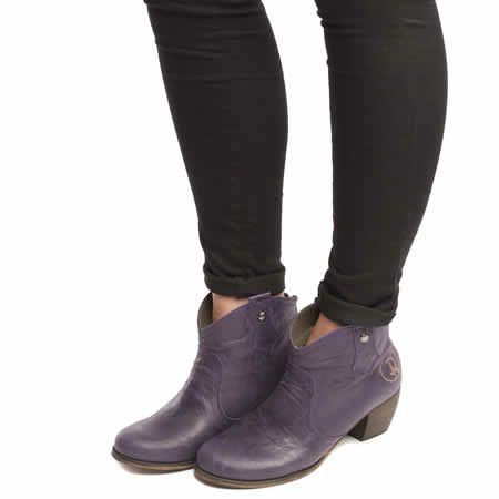 womens red or dead purple mountain boots