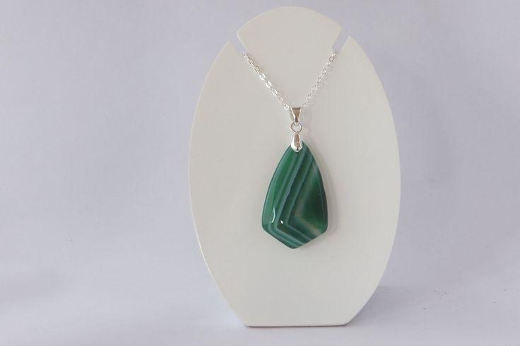 Pendentif en agate verte rayées de la boutique Instantprecieux sur Etsy