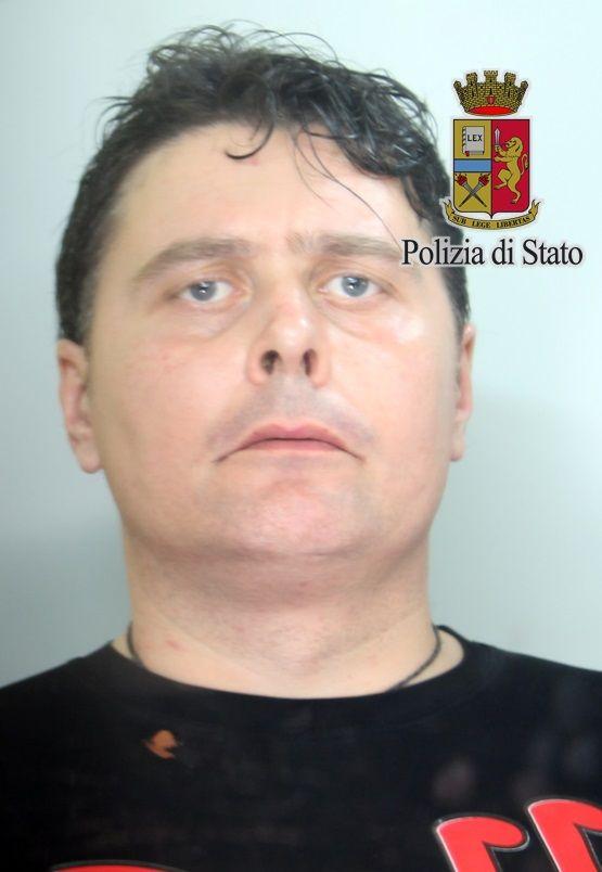 Scippò una donna a Caserta, arrestato dalla polizia dopo due mesi di indagini a cura di Redazione - http://www.vivicasagiove.it/notizie/scippo-donna-caserta-arrestato-dalla-polizia-due-mesi-indagini/