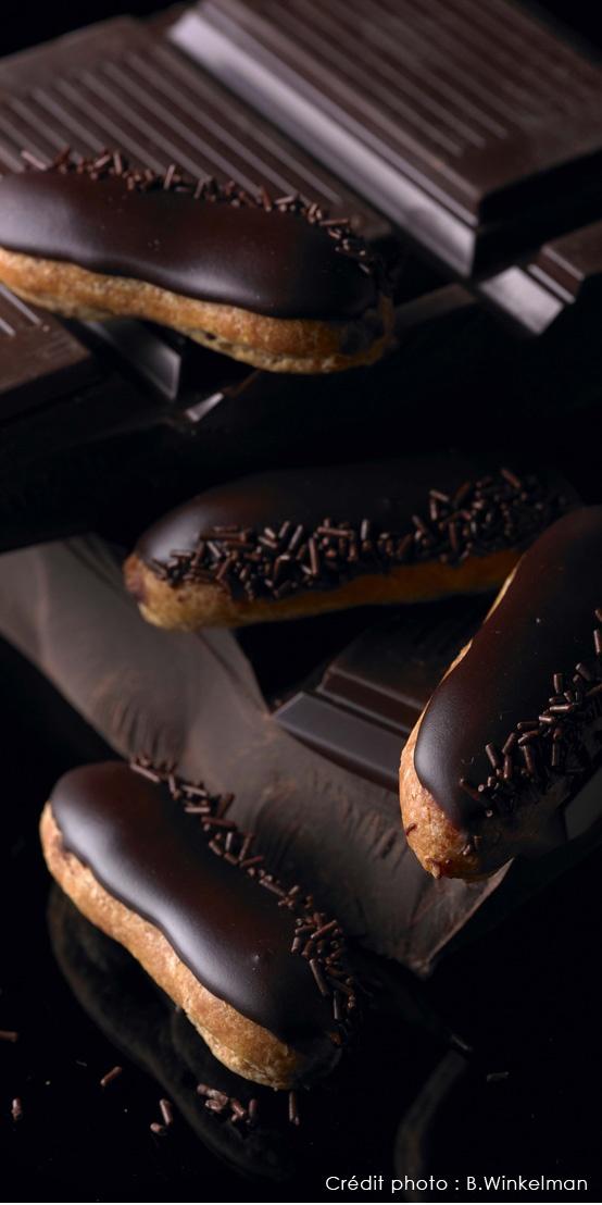 Lenôtre - Mini éclairs au chocolat.