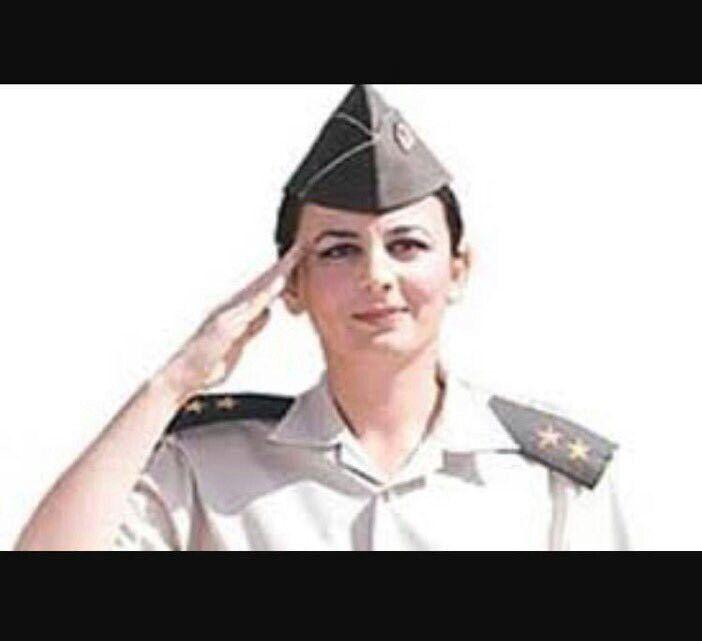Songül Yakut. İlk kadın jandarma komutanı. Maalesef helikopter kazasında şehit oldu.