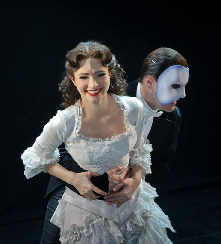 Operafantomet: phantoming, POTO Russia celebrating International Hug Day...