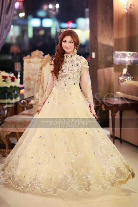 Pakistani Bridal Dress | Photography by Irfan Ahson
