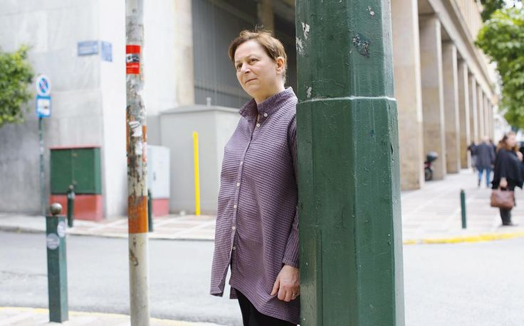 Η πολυβραβευμένη Ιρλανδή συγγραφέας Αν Ενραϊτ βρέθηκε στην Αθήνα και μίλησε στην «Κ» για τη λογοτεχνία και την επιτυχία.