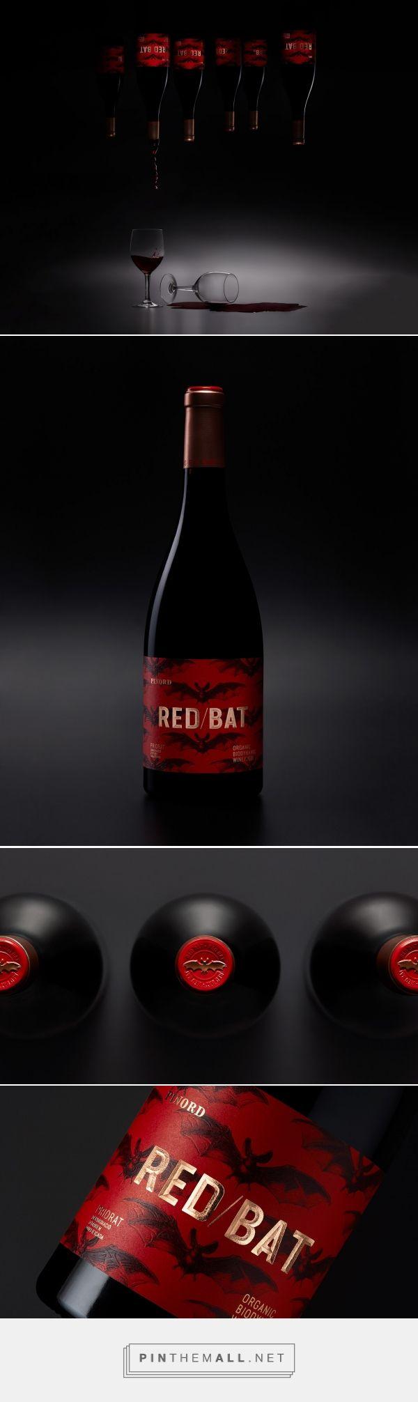 Red Bat wine packaging design by Vibranding - http://www.packagingoftheworld.com/2017/12/red-bat.html