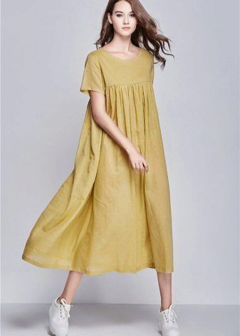 Горчичное льняное длинное платье
