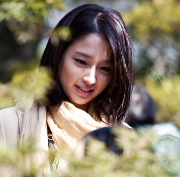 Recently Behind The Scene Photos Of Actress Lee Min Jung From The Set Of Sbss Upcoming Drama All About My Romance Were Released In The Pictures Is Lee