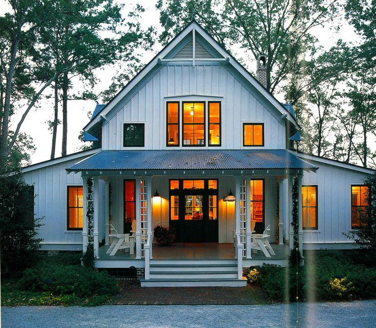 Top 25 best contemporary farmhouse exterior ideas on for Industrial farmhouse exterior