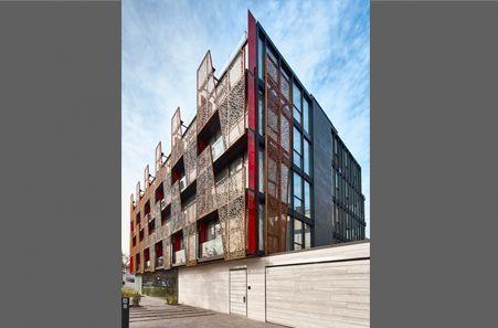 Te presentamos este nuevo proyecto de Estudio Larraín, Hotel Ladera, en el cual destacamos la aplicación de nuestro producto Screenpanel XL en sus fachadas