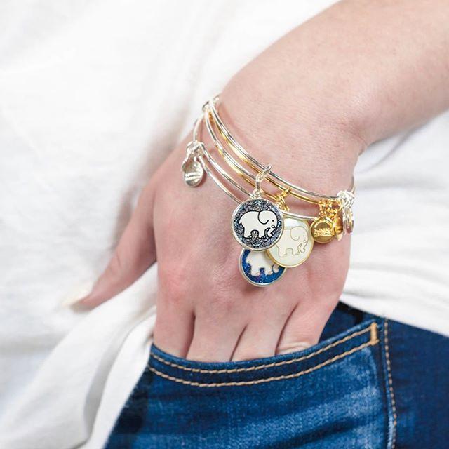 VIDA Charm Bracelet - wisteria wrist by VIDA EOYva0eJ