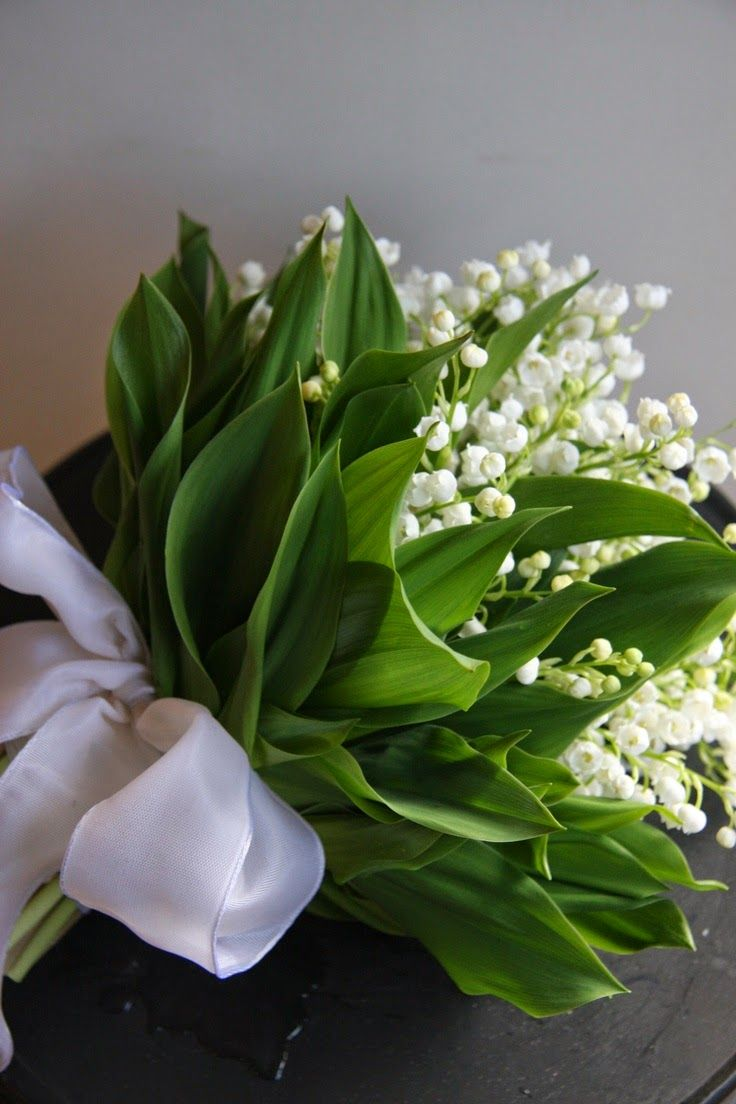 -stunningly classic lily of the valley bridal bouquet.<3