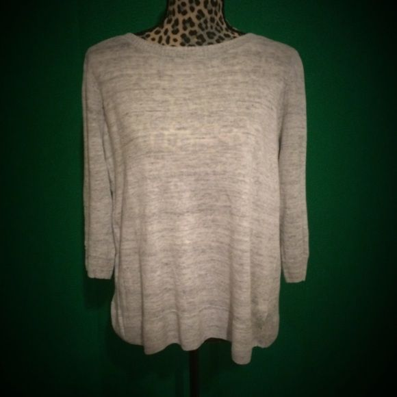 Madewell Spring Marled Sweater Light gray Marled sweater by Madewell. Three quarter sleeves, very soft and light enough for spring! Round neckline. Looks amazing dressed up or dressed down. Has a really attractive drapey type fit. Madewell Sweaters Crew & Scoop Necks