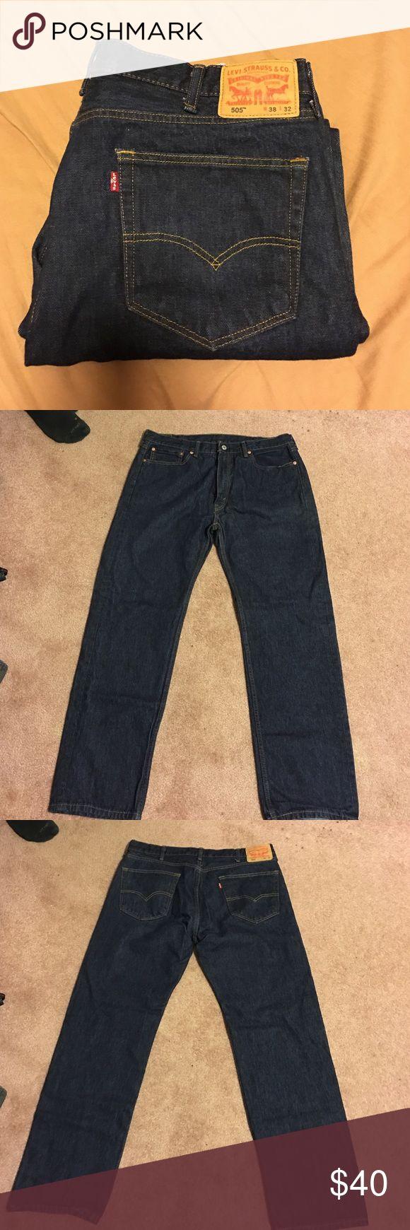 Men's LEVIS jeans 38x32 Men's Levi's jeans size 38x32 Levi's Jeans Straight