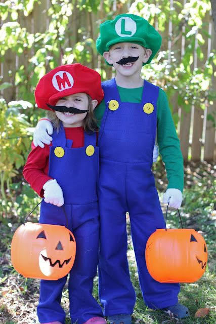 Smashed Peas and Carrots: How to Make Mario and Luigi Costumes {Tutorial}-I can so do this!