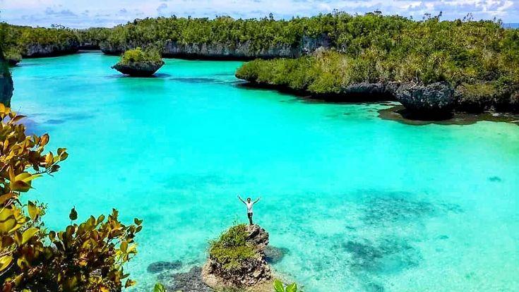 Siapa yang tidak bangga dengan indahnya pemandangan alam Maluku Tenggara seperti Pulau yang satu ini. Pulau Bair yang sering disebut-sebut sebagaiRaja Ampatnya Maluku memiliki keindahan bahari yang sangat mempesona dan tentunya tidak kalah menawan jika disandingkan dengan Raja Ampat. . . Location : Pulau Bair, Kepulauan Kei. Photo by : @bagus.prasetyo  . . #pulaubair #keikecil #malukutenggara #tukangjalan #Tukang_Jalan #tukangjalantrip #kepulauankei #explorekei #trippulaukei #exploremaluku