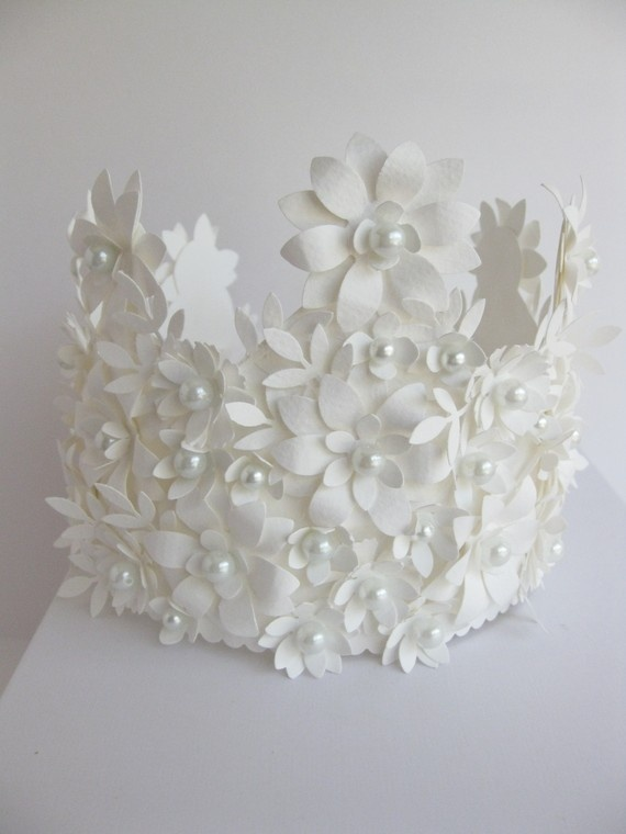Crown of Paper made by vintagediana @ Etsy Amazing!