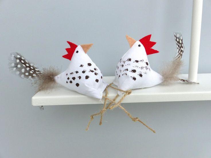 Die Hühner sind wohlgenährt (ca.6cm x 5cmx 3,5cm...oder so)  Die Hühner sind geruchsfrei (Hühner-Hausen ist nikotinfrei, ...rauchende Hühner fliegen raus...)  Die Hühner sind gesund (können...