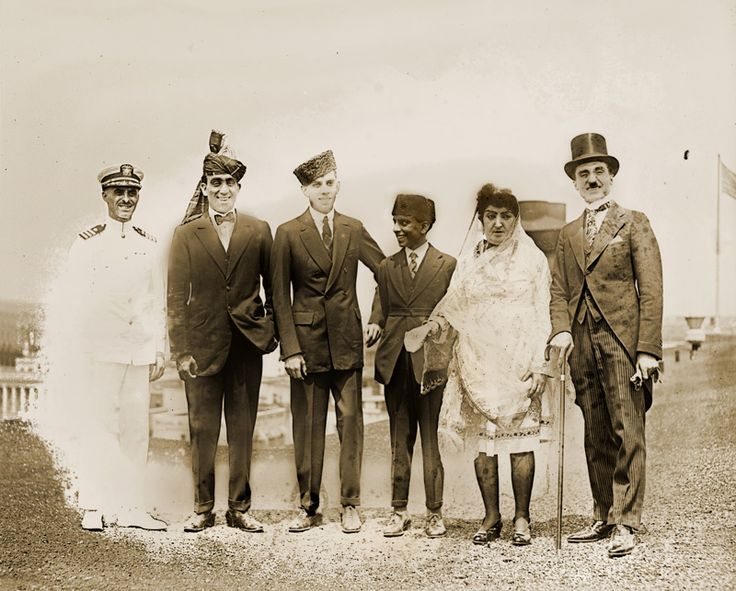 L to R: Stanley Weyman, escort; Fatima's three sons; Fatima; and Zerdecheno, her consort  The visit of Fatima Begum and her entourage to the United States caused a sensation in the American press, thanks to her eccentric fashion sense and the  45-carat heirloom diamond she carried. It was a remarkable coincidence that two groups of Afghans arrived in Washington, D.C., simultaneously to meet President Harding at the White House