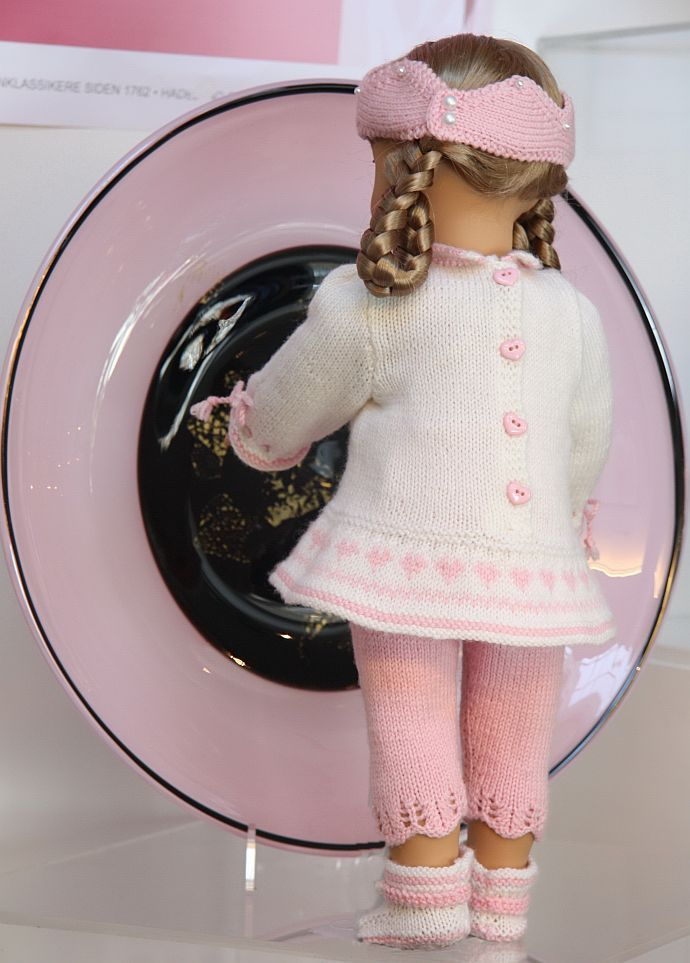Knitted doll clothes March pattern