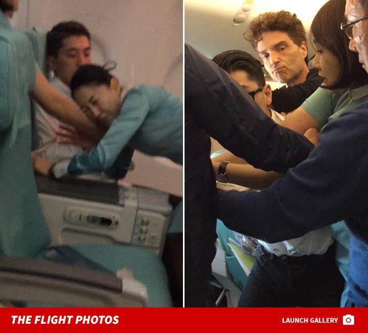 Richard Marx Helps Take Down Unruly Passenger on Korean Air Flight