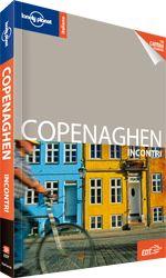 La guida #Copenaghen Incontri permette di cogliere il meglio della città in metà tempo. Qualche esempio? L'atmosfera hygge (piacevole) in un caffè all'aperto a lume di candela, i fuochi d'artificio del Tivoli, gli splendidi gioielli della corona nel fiabesco Rosenborg Slot, ostriche e aragoste da gustare al Noma, vedute da cartolina durante un'escursione lungo il pittoresco canale di Nyhavn, il tiepido sole del nord sulla pelle nella spiaggia dell'Amager Strandpark.