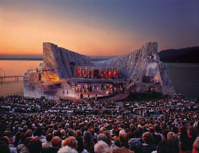 Marvelous-Floating-Stage-of-the-Bregenz-Festival-In-Austria-8.jpg