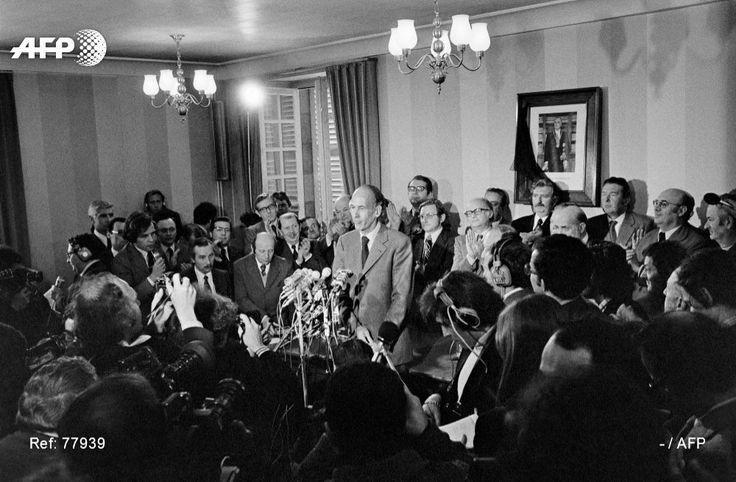 Le ministre Valéry Giscard d'Estaing annonce sa candidature à l'élection présidentielle, le 8 avril 1974 à Chamalières
