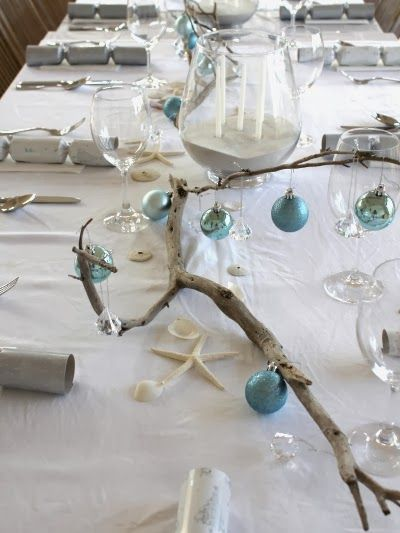 1000 ideas about driftwood christmas decorations on for Driftwood table centerpieces