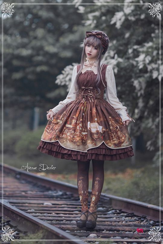 Avtually good steampunk lolita!