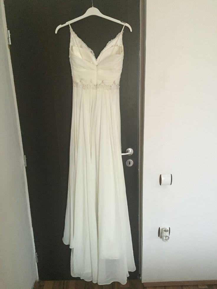 Wedding dress details  300 € olx.ro/oferta/rochie-mireasa-agnes-toma-ID6cxiY.html#c2b6c12810
