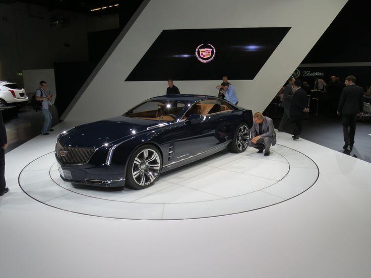 Cadillac Elmiraj koncept bil. Det bliver ikke med denne model at Cadillac skal erobre Europa. Men måske den kan sælges i Dubai?
