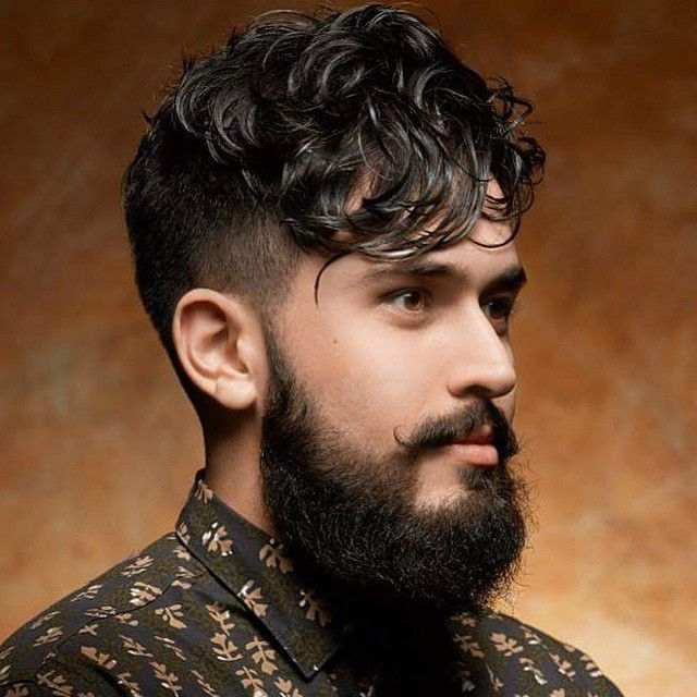 Angular Fringe and Beard *** See the whole article: >>>Top 11 Haircuts for Guys With Round Faces at http://haircutinspiration.com/best-haircuts-for-round-faces-men