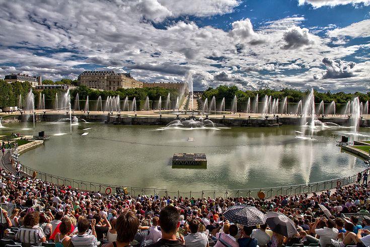 Le Bassin de Neptune lors des Grandes Eaux Musicales, Chateau de Versailles.