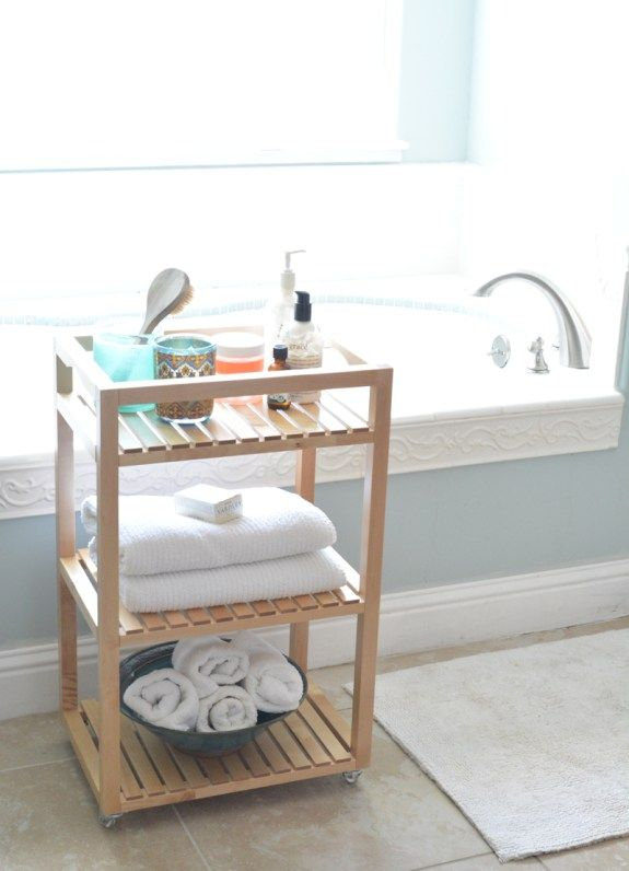 One cart, three ways! IKEA Ambassadör Kate Riley (aka Centsational Girl) shows how you can use the MOLGER cart in any room of your home – from the bathroom, to your study space to the laundry room! #theIKEAstory
