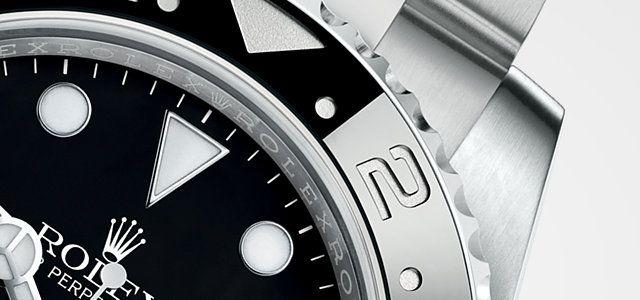 Entdecken Sie die GMT-Master II Uhr in Edelstahl 904L auf der offiziellen Webseite von Rolex. Modell:  116710BLNR
