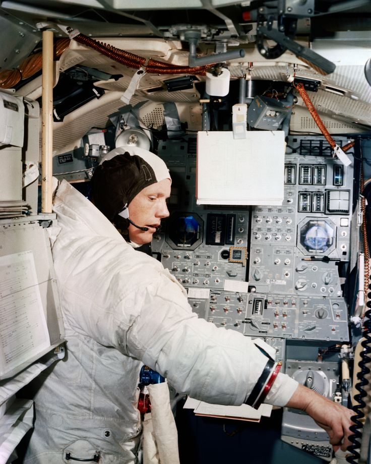Neil A. Armstrong participates in simulation training ...