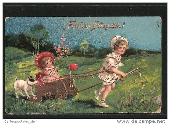 AK zwei Kinder mit einem Wagen auf einer Wiese, Hund, Pfingsten