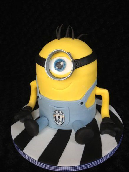 Juventus supporting minion ! (Dave) Cake by Lisa Salerno