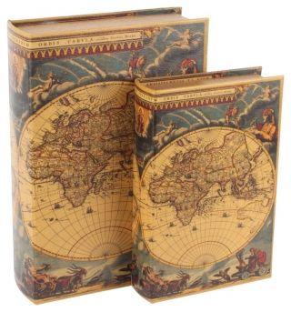 """Cutii """"Vintage Journey"""" - sunt precum le vezi: două cutii decorative din lemn, frumos îmbrăcate în piele ecologică. Un cadou vintage pentru firi neastâmpărate, pretext de visare în momente de răgaz."""