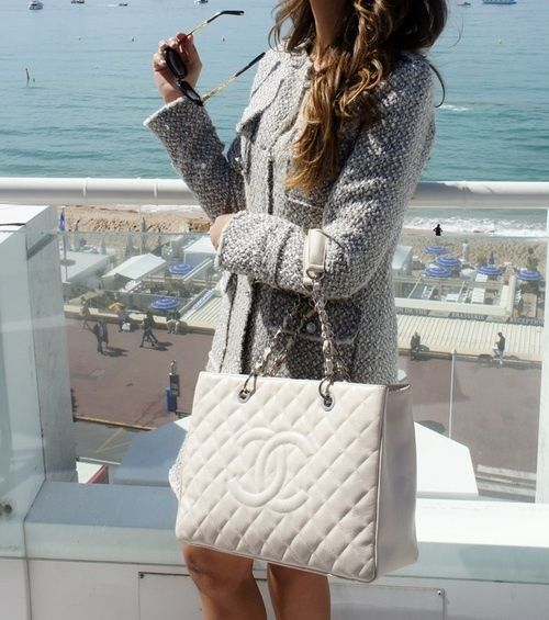 Gorgeous in white ❤Chanel I love this bag, then again, I love anything Chanel
