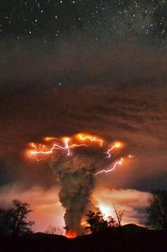 Weather pictures of the year 2011: lightning, auroras, snow and ice – . .