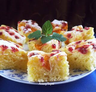 AranyTepsi: Sárgabarackos-ribizlis sütemény