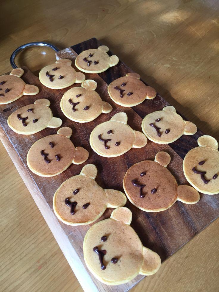 クマ好き子供の離乳食 人参きな粉のホットケーキ
