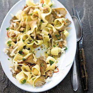 Recept - Pittige pappardelle met oesterzwammen - Allerhande