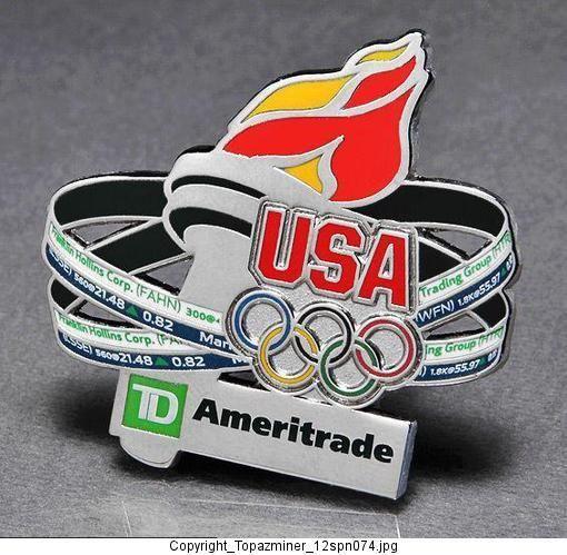Olympic Badge Pin 2012 London England UK Team USA Ameritrade Sponsor Torch Relay