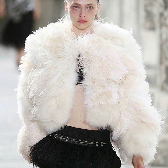 Proenza Schouler впервые представили коллекцию во время недели высокой моды в Париже. До чего же хороша модель Саша Пивоварова в их наряде. #proenzaschouler #harpersbazaarukraine #harpersbazaar  via HARPER'S BAZAAR UKRAINE MAGAZINE OFFICIAL INSTAGRAM - Fashion Campaigns  Haute Couture  Advertising  Editorial Photography  Magazine Cover Designs  Supermodels  Runway Models