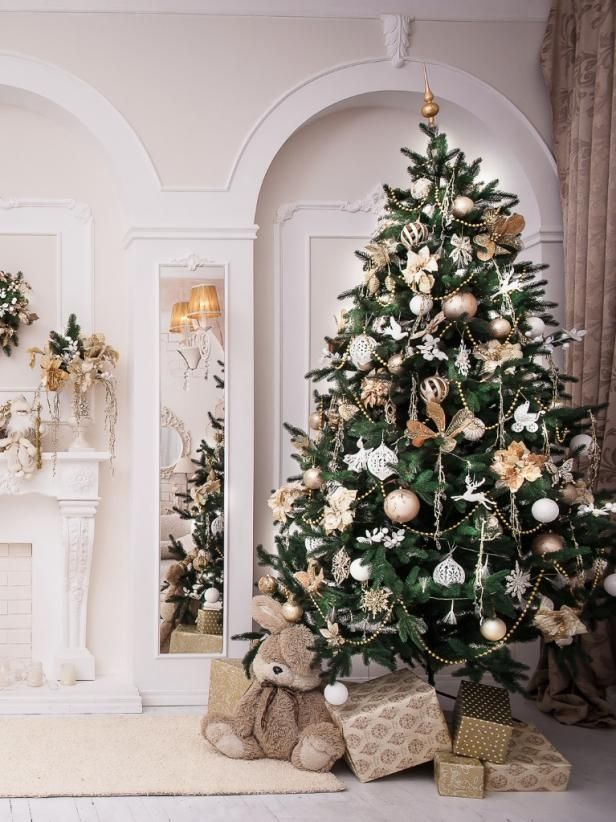 Strings Of Beads 50 Christmas Tree Decorating Ideas Hgtv With