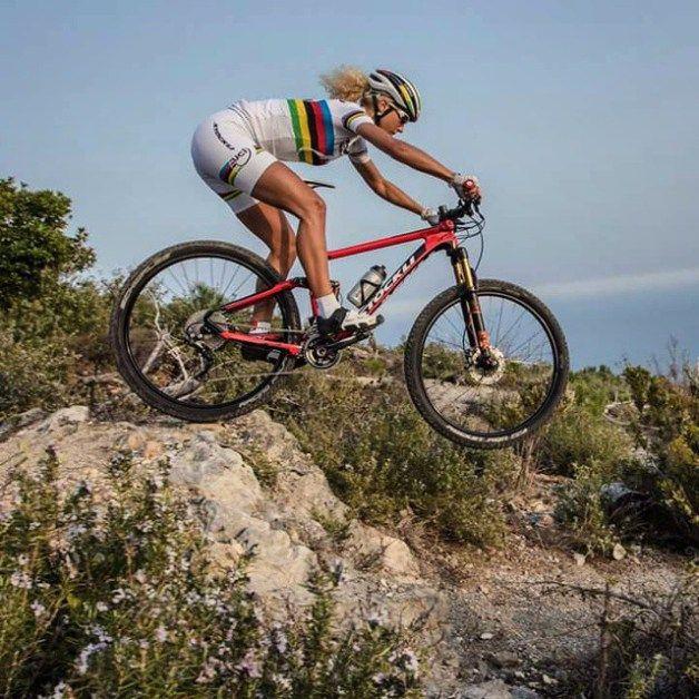 Jolanda Neff Born 5 January 1993 Is A Swiss Cross Country Cyclist She Was The Overal W Mountain Bike Girls Mountain Biking Women Cross Country Mountain Bike